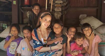 Intip Momen Cinta Laura ketika Menikmati Keindahan Alam dan Budaya Sumba