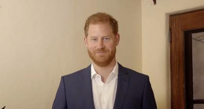 Pangeran Harry Menyebut Nama Meghan Markle dan Pangeran William ketika Menyampaikan Pidatonya di Acara Penghargaan Diana 2021