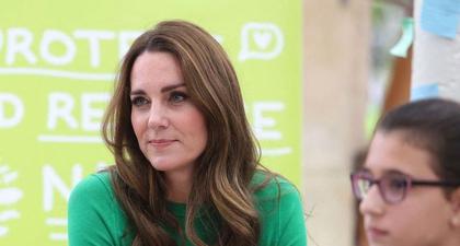 Kate Middleton Tampil Berani dengan Warna Hijau untuk Kunjungan ke Kew Gardens bersama Pangeran William