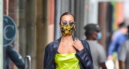 Irina Shayk Cerahkan Kota New York Dalam Balutan Kamisol Warna Kuning Neon