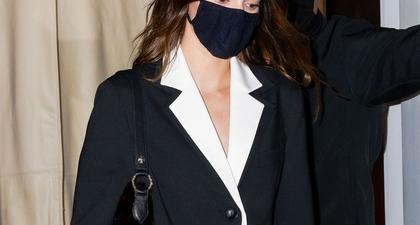 Lihat Tampilan Kendall Jenner Dengan Oversized Blazer dan Sepatu Bot Kulit di NYC