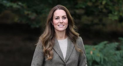 Bagi Kate Middleton Tren Skinny Jeans Belum Selesai!