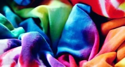 Mengenal Tie-Dye, Teknik Pewarnaan yang Sarat Makna Budaya Dan Upaya Ramah Lingkungan