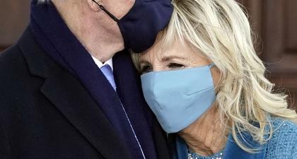 10 Momen Manis Joe dan Jill Biden Selama Acara Pelantikan