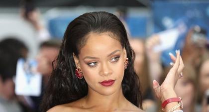 Rihanna Telah Resmi Menjadi Seorang Miliarder!