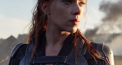 Lagi-Lagi Scarlett Johansson Tampak Tak Bersinar di Filmnya Sendiri, Black Widow, Kenapa?