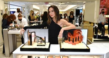 Victoria Beckham Bicarakan Kolaborasi Produk Kecantikan Barunya dengan Bergdorf Goodman