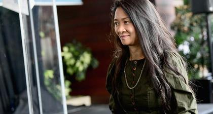 Chloe Zhao Cetak Sejarah Baru, Menjadi Wanita Kulit Berwarna Pertama yang Menang Sutradara Terbaik di Golden Globe