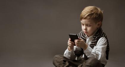Ini Cara Menangani Anak-Anak yang Kecanduan Gadget, Langsung dari Ahlinya