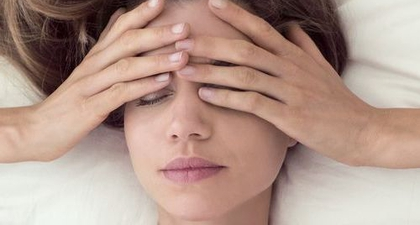 Mengenal Tren Yoga Mata yang Diklaim Mampu Membantu Anda tetap Fokus dan Menghilangkan Stres