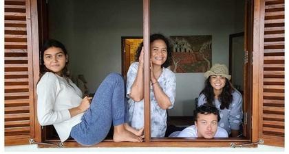Nicholas Saputra, Nirina Zubir & Lukman Sardi Sedang Terlibat dalam Sebuah Proyek Bersama?
