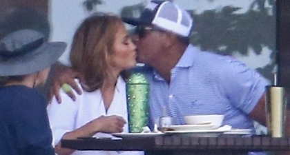 Jennifer Lopez dan Alex Rodriguez Memperlihatkan Lagi Momen Mesra Mereka ketika Berada di Republik Dominika