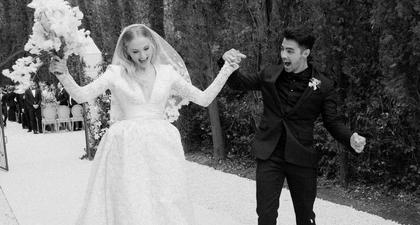 Joe Jonas dan Sophie Turner Merayakan Dua Tahun Perkawinannya dengan Unggahan Foto-Foto Kilas Balik