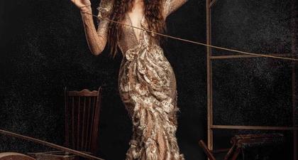 Terinspirasi dari Kisah Boneka Marionette, Lihat Bagaimana Penggunaan Korset Pada Sebuah Gaun