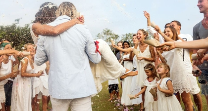 20 Gaya Rambut yang Boleh Dicoba Ketika Menghadiri Pesta Pernikahan