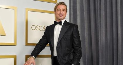 Brad Pitt Tampilkan Model Rambut Ponytail Saat Hadir di Oscar 2021