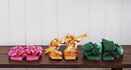 Temukan Model Sandal Warna-Warni Keluaran Brand Indonesia di Sini