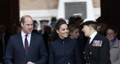 Kate Middleton Tampil Anggun dengan Pakaian Bergaya Militer