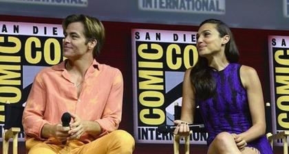 Gal Gadot Reuni Dengan Chris Pine di Comic-Con