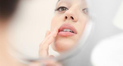 5 Ciri Kulit Mengalami Iritasi Produk Kosmetik