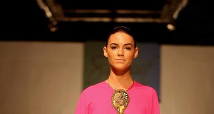 Samuel Wattimena Berjaya di Fiji Fashion Week