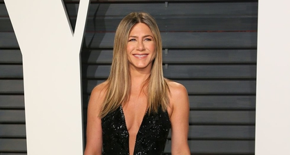 Jennifer Aniston Suka Menonton Bloopers Friends di YouTube