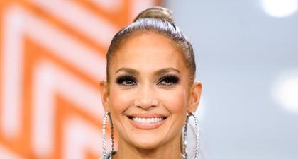 Lihat Tampilan Menawan Jennifer Lopez di Hari Minggu Paskah