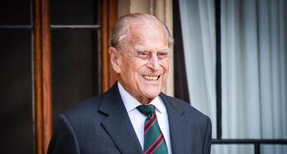 Jarang Muncul, Pangeran Philip Terlihat Bertugas Lagi