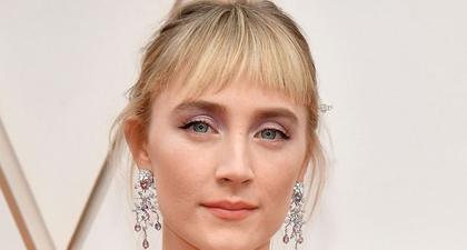 Saoirse Ronan Melakukan Debut Poni Baru di Oscar 2020