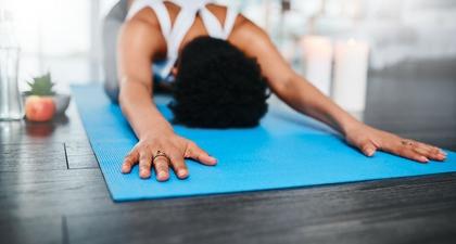 10 Keuntungan Kesehatan lewat Latihan Yoga Setiap Hari